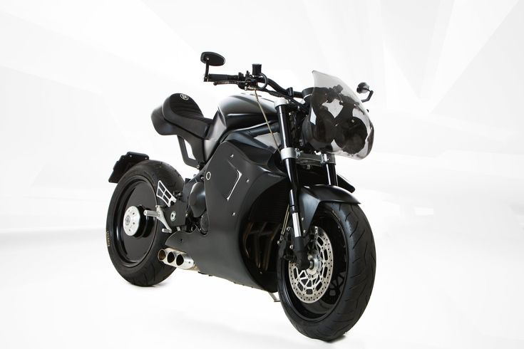 """This Murdered-Out Triumph Street Triple Custom """"Tripla 0.0 675cc"""" Gets a Racing Makeover"""