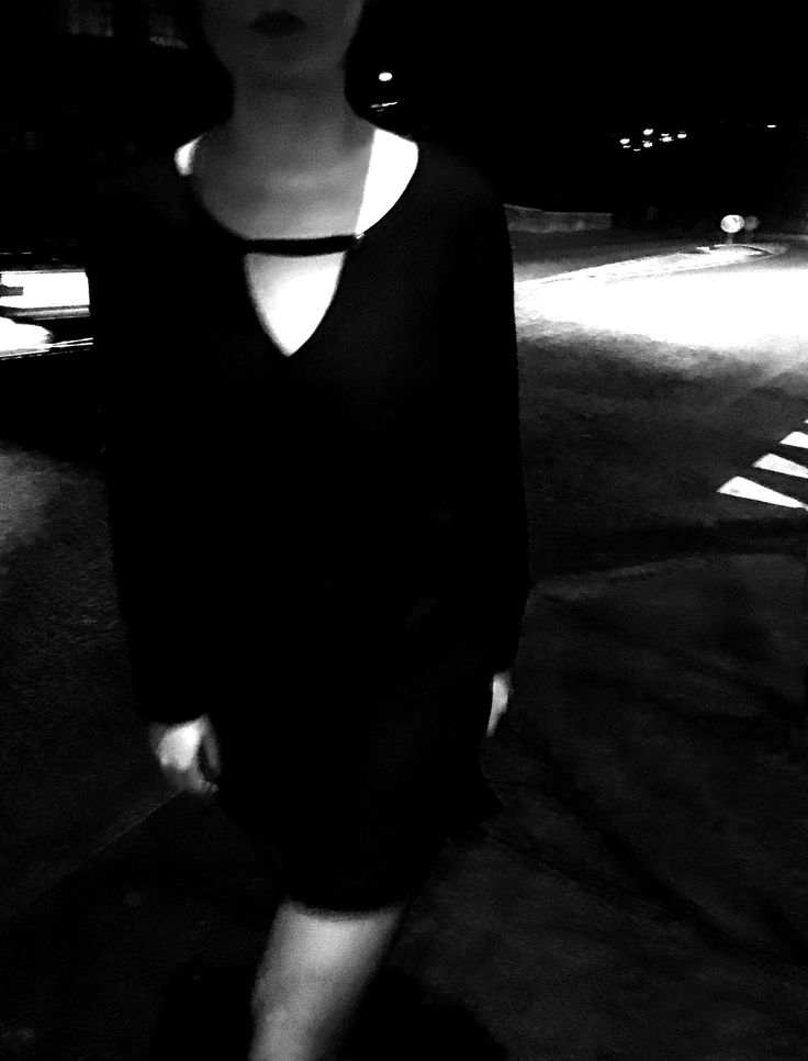 The nights uncertainties http://honeygold.eu/product/keyhole-dress/