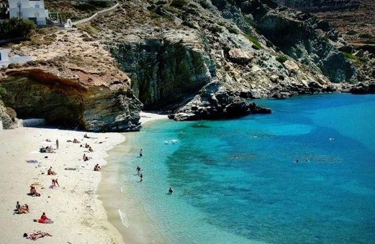 Agali beach στην πόλη Φολέγανδρος, Κυκλάδες