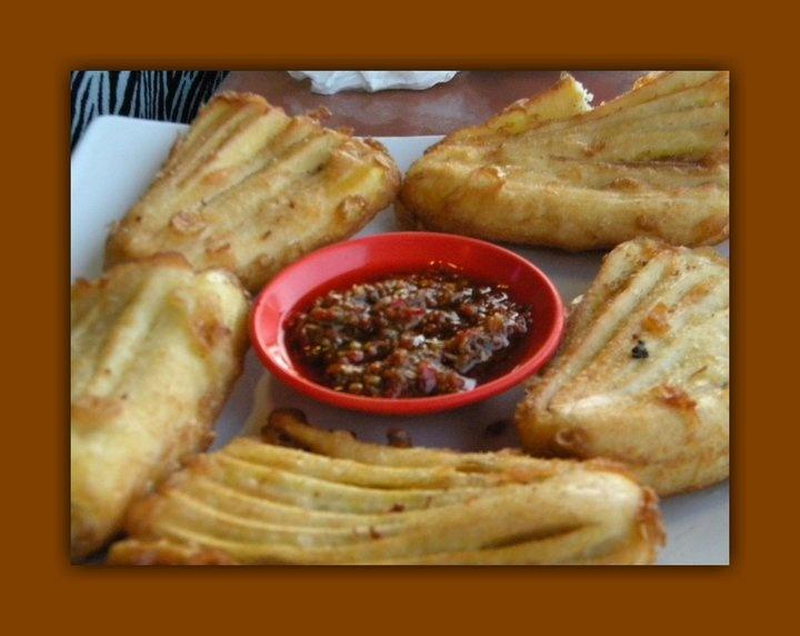 Culinary: Banana cake + Dabu-Dabu + Fish Roa Ala Manado