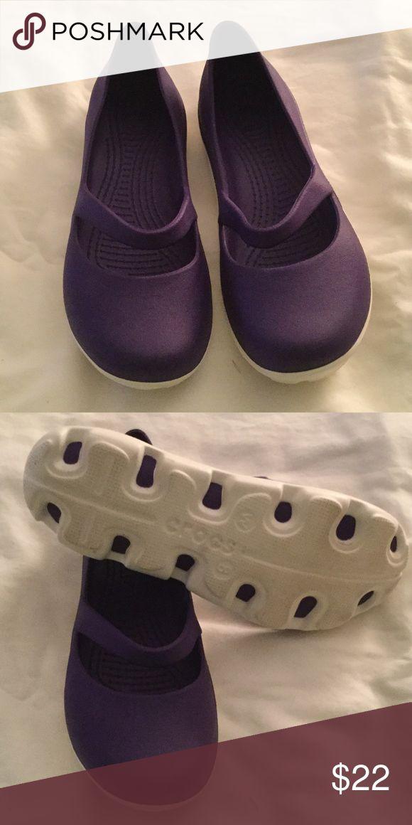 Crocs shoes Purple crocs. Great condition. CROCS Shoes Flats & Loafers