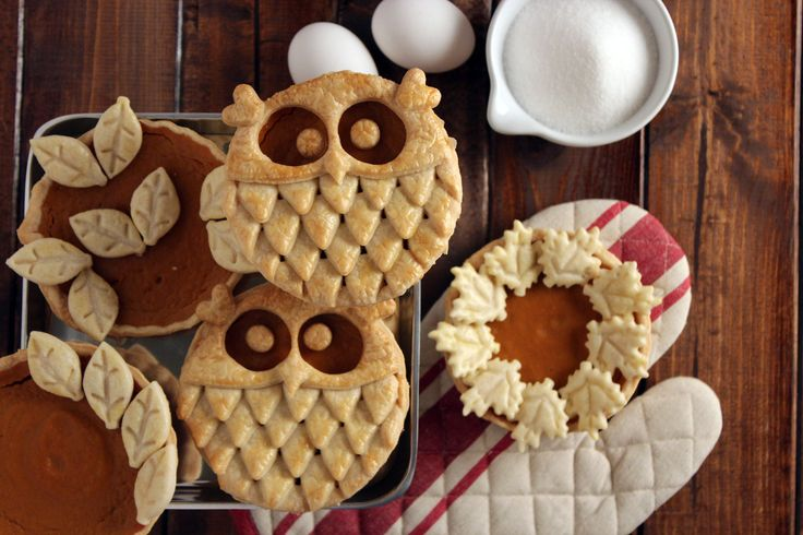 """Owl Pumpkin Pies El relleno es """"de bote"""", lo interesante es la decoración. Paso por paso detallado para hacer la decoracíon de buho"""