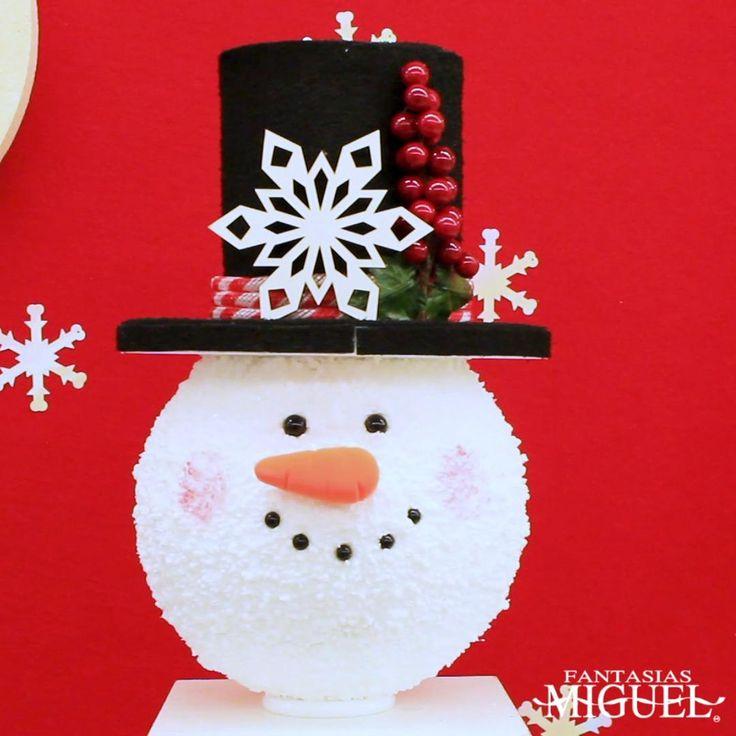 Decora con unas esferas navideñas únicas de unicel, en forma de muñeco de nieve. ¡Dales un toque único con tu propia decoración! Christmas Time, Christmas Crafts, Christmas Ornaments, Hobbies, Joy, Holiday Decor, Home Decor, Costumes, Shape
