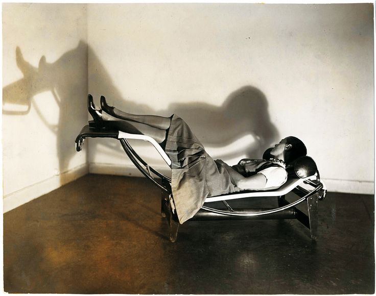 25 best ideas about chaise longue le corbusier on for Chaise longue basculante