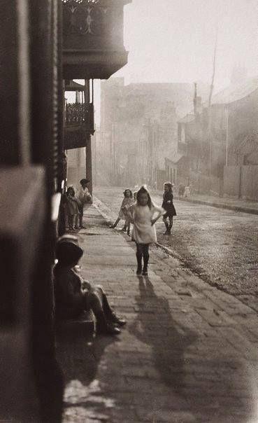 Albion Street Surry Hills, 1911. Harold Cazneaux