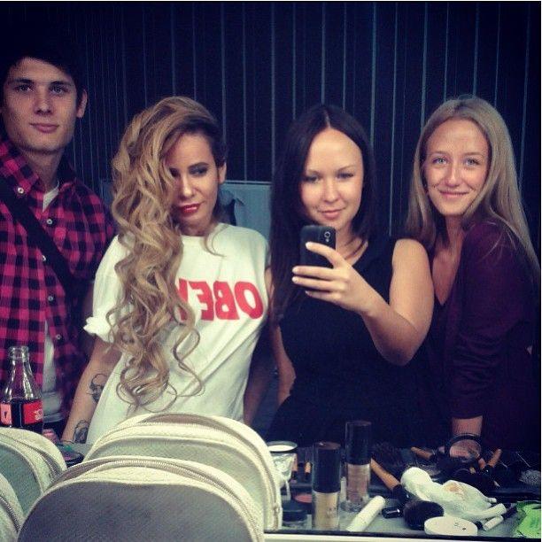 """@aizadolmatovaaa's photo: """"Сегодня мы работаем очень нежно и спокойно) но макияж мне Сандра @sandraistomina сделала дерзкий!!"""""""