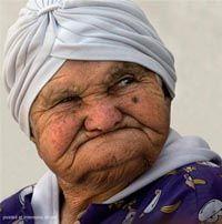 COMO AMAR A LOS ANCIANOS ..........AL ADULTO MAYOR........ En el mes de Agosto se celebra en Colombia el día del adulto mayor ................. http://www.chispaisas.info/viejos.htm