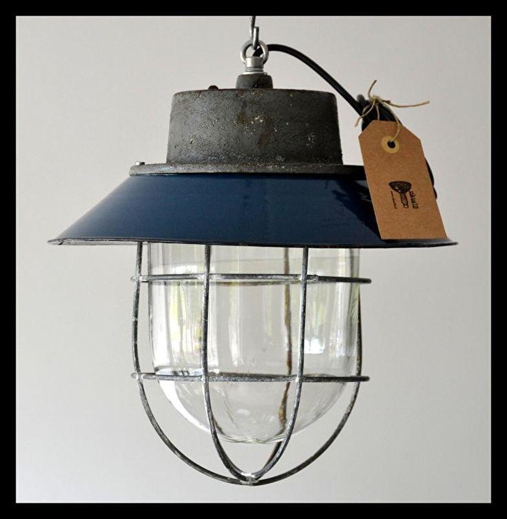 Mooie kooilamp, fraaie petrolblauwe kleur!