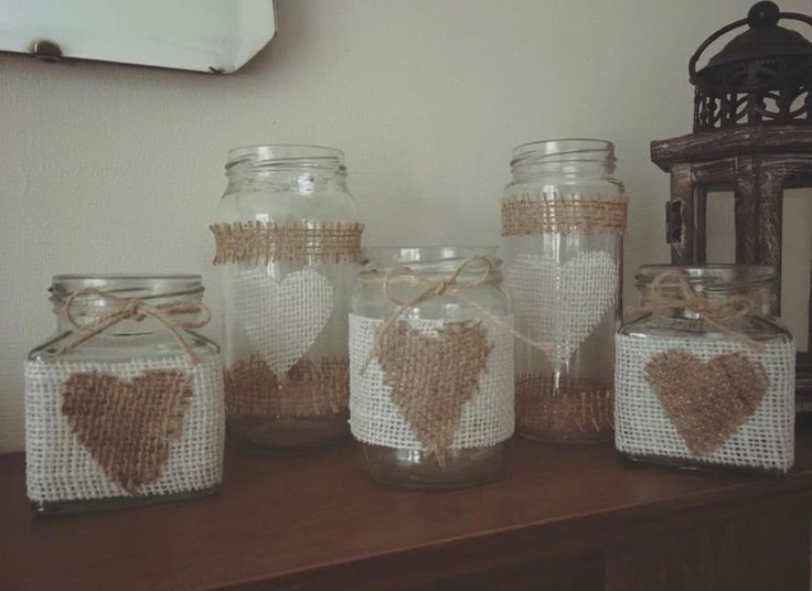 Burlap hessian jars #hessianjars #weddingcentrepiece #hessianwedding #hessianstoragejar #prettystoragejar #deskstorage #craftroomstorage #bathroomstoragejar #vintagewedding #smallvase #decoratedjars