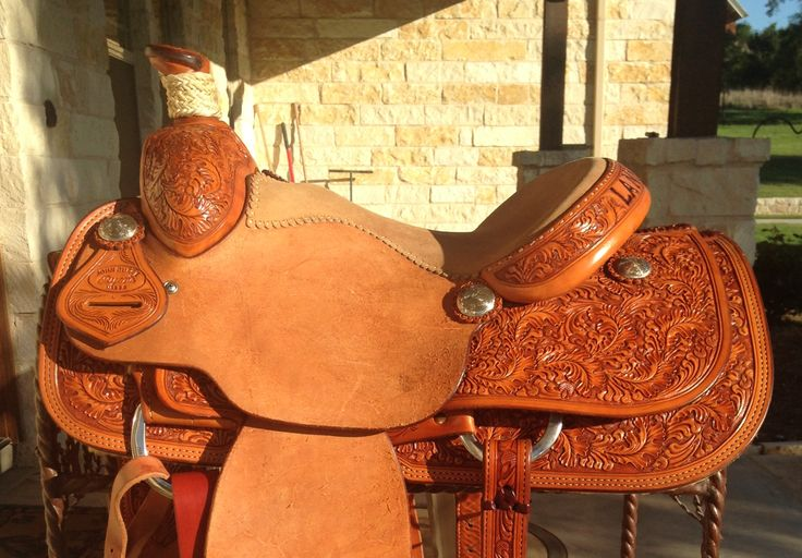Ryons (John Burge Maker) Roping Saddle For Sale - For more information click on the image or see ad # 44320 on www.RanchWorldAds.com