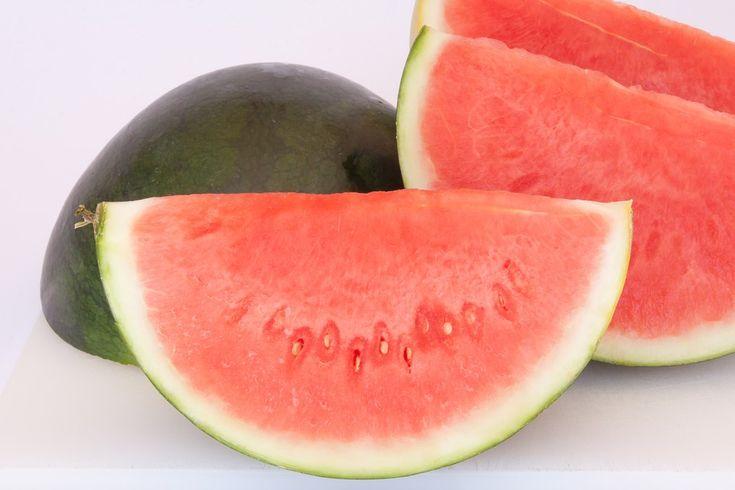 Vezmite jadierka vodného melóna a uvarte ich. Výsledok vás šokuje a pomôže vám | Chillin.sk