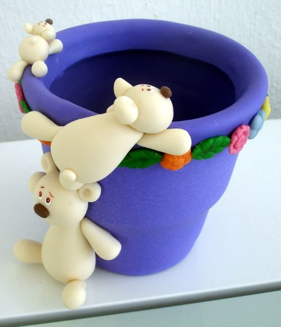 Polar bears on the flower pot cake