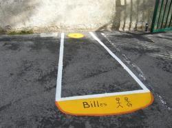 Superbes idées de jeux extérieurs peints sur l'asphalte.