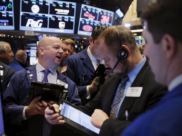 Here's a super-quick guide to what traders are talking about right now - Dave Lutz, head of ETFs at JonesTrading, has an overview of today's markets.  Netflix is rallying ahead of its after-the-bell earnings today.  European markets are mostly red.  China is the weakest market in Asia today.  Bitcoin got crushed over the weekend.  Here's Lutz:   Good Morning! US Futures are mostly higher, led by a 20bp pop in Nasdaq as NFLX rallies nearly 1% into earnings tonight . Mostly red in…