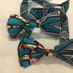 Double noeud papillon en tissu africain wax accessoire cravate imprimé bowtie géométrique ethnique fantaisie blanc bleu