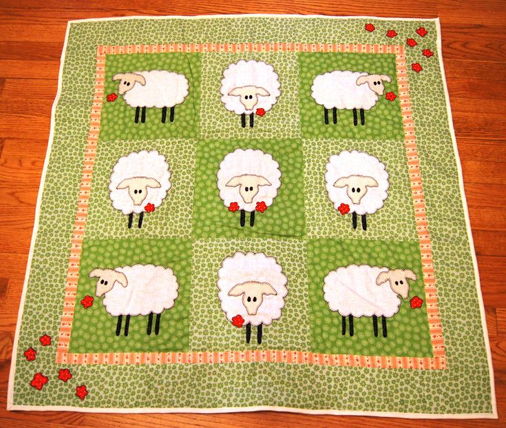 Sheep baby quilt - could make with other animal or flower appliques
