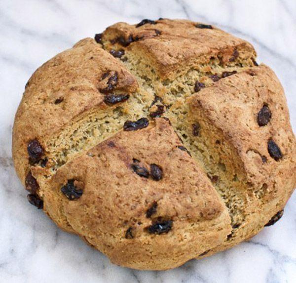Ιρλανδική συνταγή ψωμιού με σόδα, αυγό και αλεύρι αμυγδάλου