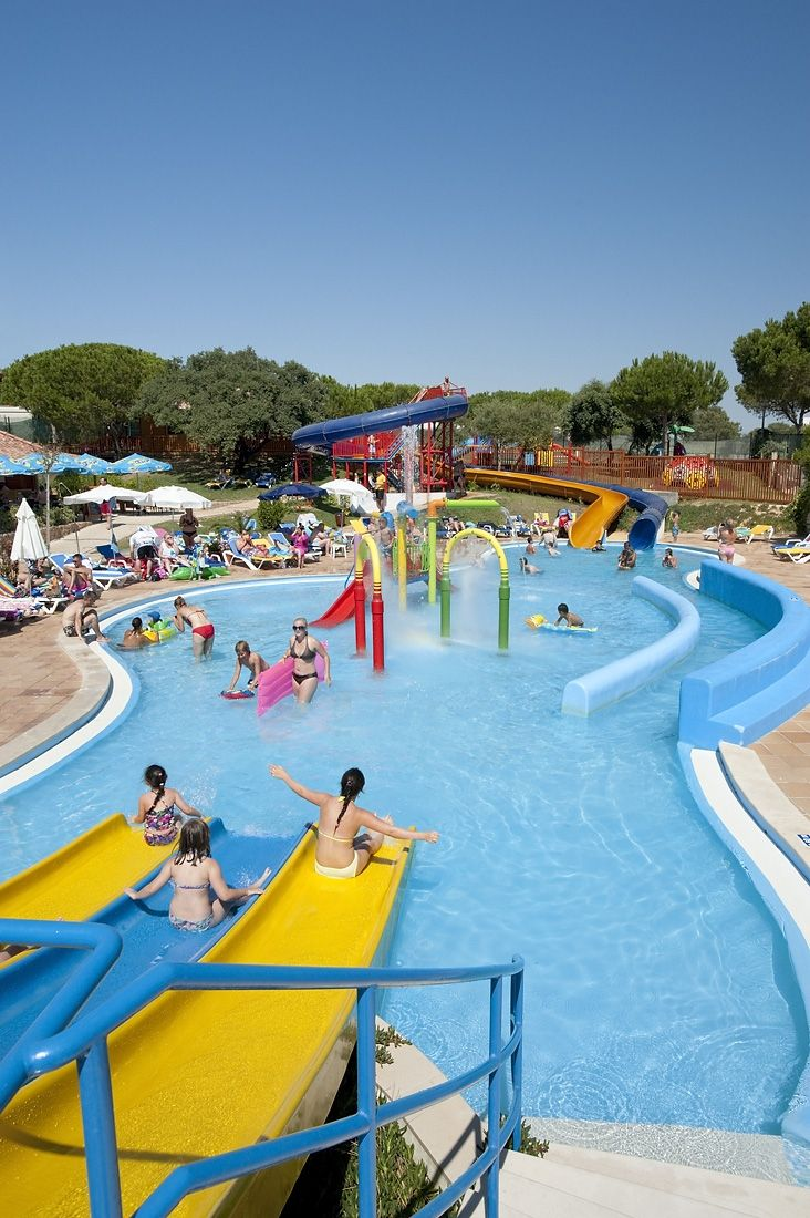 Alfagar slides and splash area