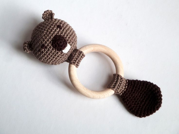 "Rattles & Teething Toys – Baby Rattle ""Bob the Beaver"" // crochet – a unique product by a-french-touch on DaWanda"