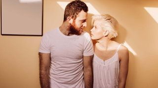 Los expertos en sexología explicaron que el servicio de streaming atenta contra las relaciones amorosas
