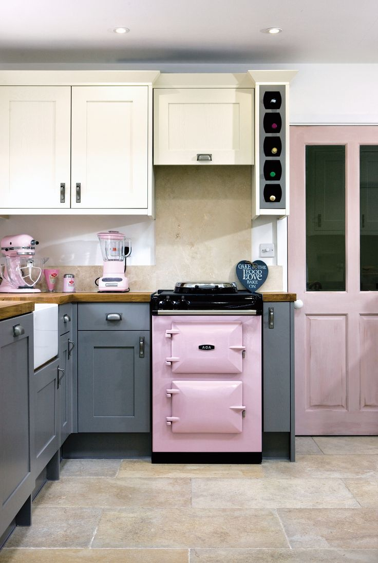 230 best aga nederland images on pinterest ovens dream kitchens maak de aga het hart van uw huis met deze beautiful pink lady pink ladieskitchen ideasrange