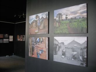 15-30 Ιουνίου 2012 στον Πολυχώρο Πολιτισμού Vault – Athens Fringe Network.    Φωτογραφίες από το ντοκιμαντέρ The Outcasts / Οι εξόριστοι…