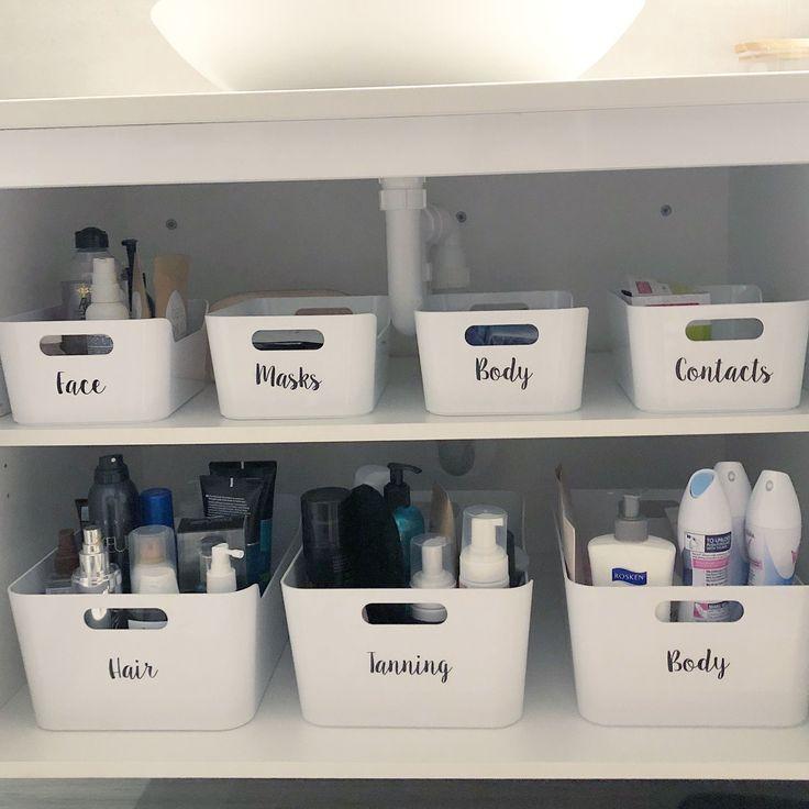Erfinderische Badezimmer-Speicher-Ideen erleichtert