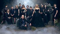 El reparto de Buffy, cazavampiros se reúne para celebrar su 20 aniversario: Sarah Michelle Gellar, Joss Whedon y la pandilla posan más góticos que nunca