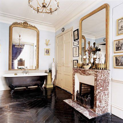 Les 25 meilleures id es de la cat gorie grands miroirs de for Salle de bain maison ancienne