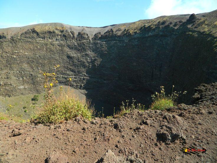 Mount Vesuvius,  Nikon Coolpix L310, 4.5mm,1/320s,ISO80,f/3.1,+1.0 201507131036