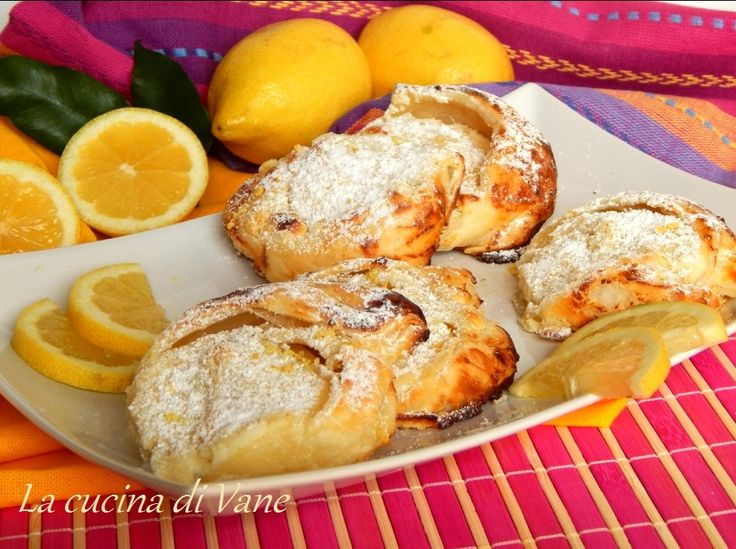 very fast puff pastry cakes with ricotta and lemon (sfogliatelle veloci di ricotta e limone)