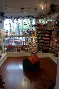 p1020090 - Christmas Shops around the World