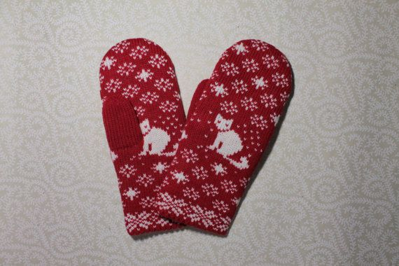 Hand-made adult mittens with cat pattern by LanaNere on Etsy