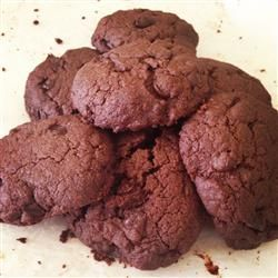Chocolate Kale Cookies; great way to enjoy chocolate cookies with all the nutrients of kale!