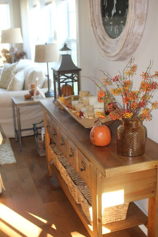 Love this decor for a living room ready for fall