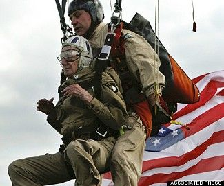 d day vet parachute jump