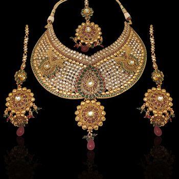 Bridal exclusive uncut necklace set