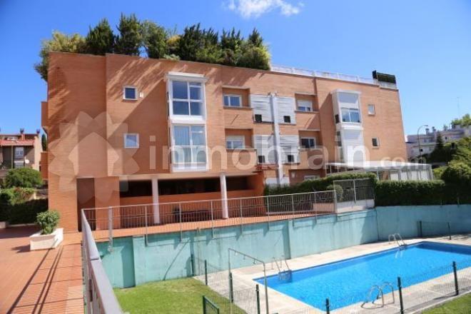 Ático Dúplex de 180 m2 construidos en el barrio de Aravaca de Madrid.