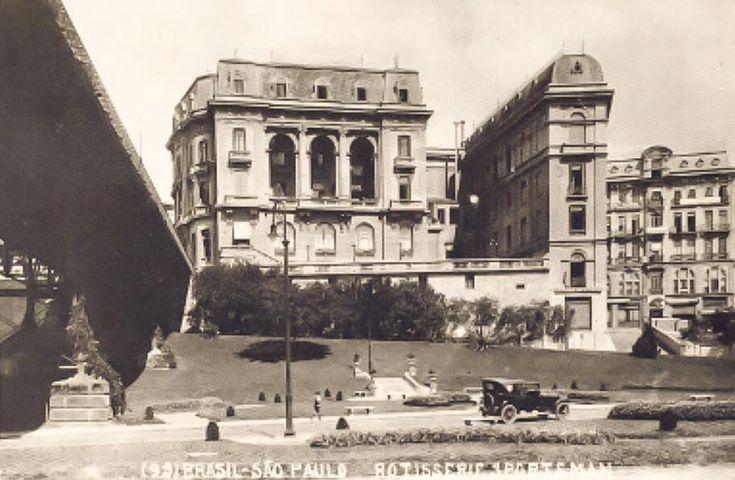 Rotisserie Sportsman - onde, na década de 30, se edificou o Edifício Matarazzo, desde 2004 ocupado pelo Palácio do Anhangabaú(PMSP). Foi construída pelo famoso empresário norte-americano, Percival Farquhar que, entre outros empreendimentos, mandou edificar o porto de Belém (PA) e a ferrovia Madeira Mamoré (RO).
