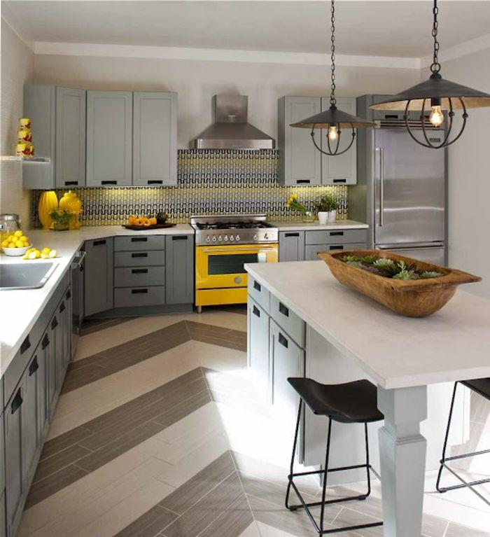 Modele de cuisine moderne cuisine gris anthracite lustre for Cuisine baroque moderne