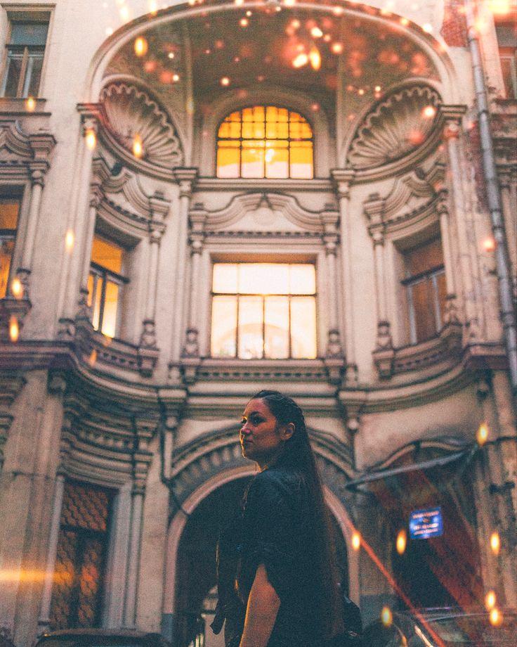 111 отметок «Нравится», 4 комментариев — Marina Stroganova (@stroganova_photo) в Instagram: «Волшебство московских двориков. Спасибо за открытие @zhenmax ✨✨✨ . . . #wonderful_place…»