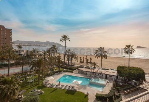 Gran Hotel Delfin Benidorm Located right next to Poniente Beach in a quiet area of Benidorm, Gran Hotel Delfin has a large garden with an outdoor pool. It offers tennis courts and rooms with a TV and minibar.