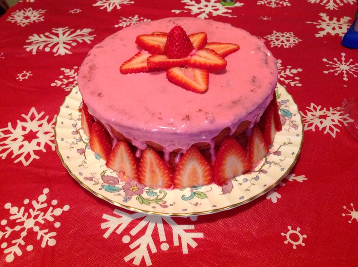 Paul Dean's Strawberry Cake, it turned out great!! ;)