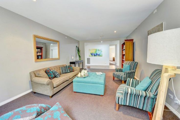 Lovely teal. Im inlove with the striped chairs too. What do you think?