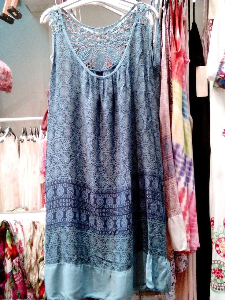 Φόρεμα σε έθνικ μοτίβο-φαρδιά γραμμή