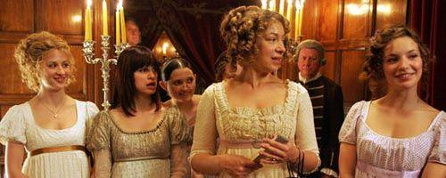 Orgueil et quiproquos (Lost in Austen - série complète)....cute....l'Actrice trip sur Élisabeth Bennett....par fiction , elle passe par une porte , et se retrouve dans la maison familiale et incarne son rôle...un rêve devenu réalité...mais elle va chambouler toute l'histoire originale...cute!!!
