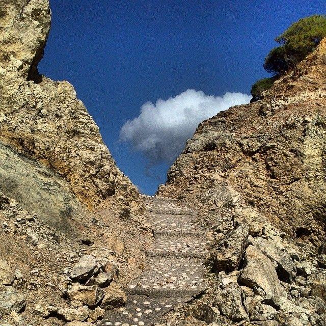 loizoum amoopi karpathos Steps to the sky #amoopi#althea#island#karpathos#greece#loves_greece#sjy#blue#bluesky#nature#instagreece#instagram#instalove# insta_art http://instagram.com/p/jtooNXy2Be/?modal=true