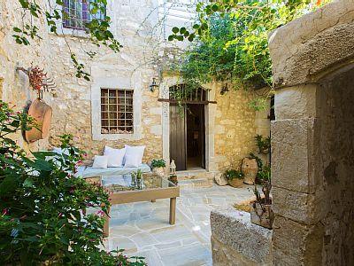 Rethymno villa rental - Inner courtyard!