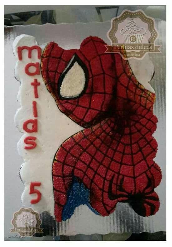 Pastel de cupcakes hombre araña
