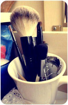 Organizando: maquiagens na gaveta
